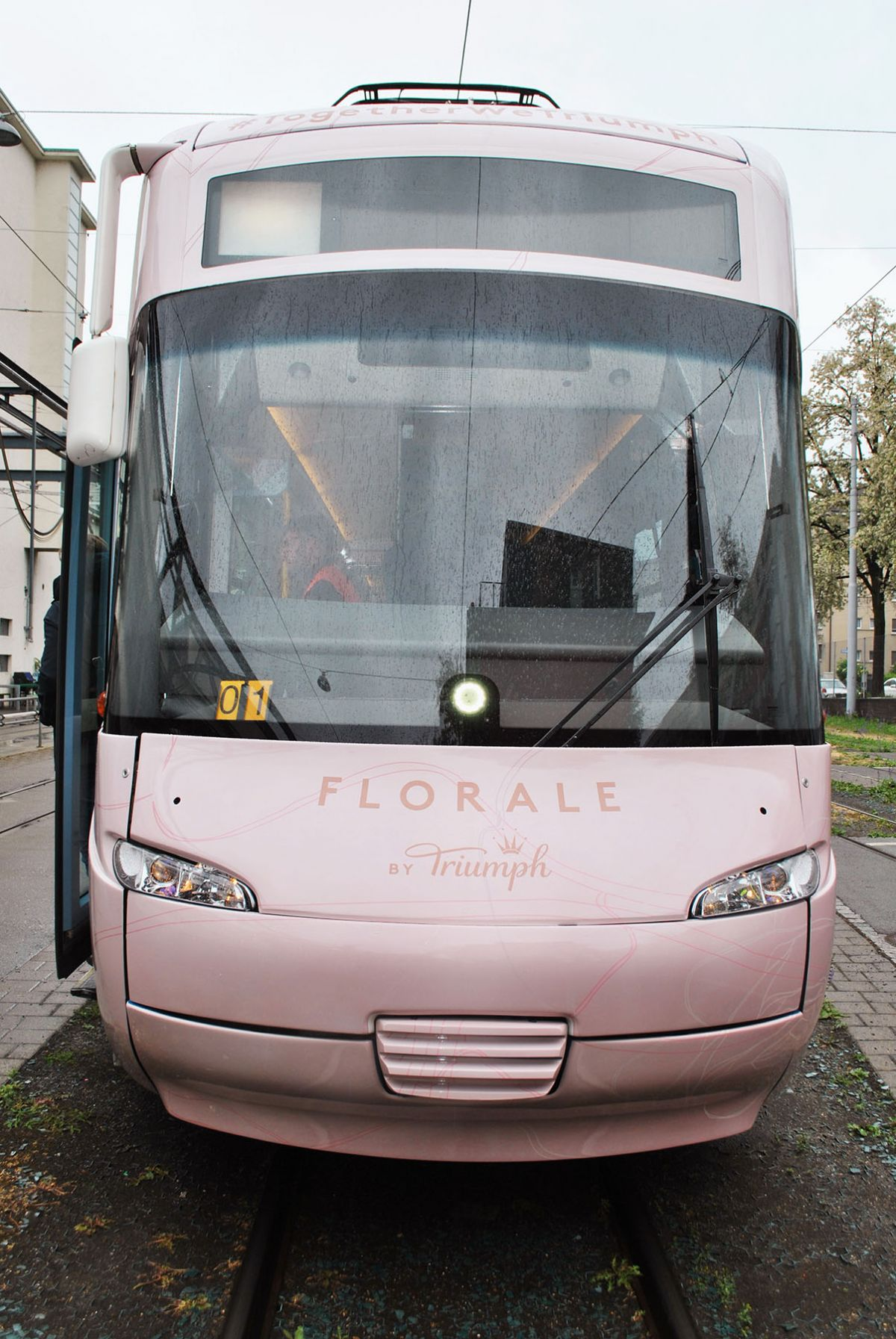 Florale by Triumph Werbetram by Christinger